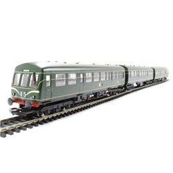 BR Green 3 Car Class 101 with Speed Whiskers