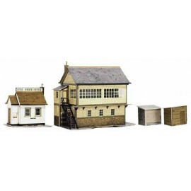 Signal Box, Office and Huts (4 buildings) H. max: 120mm - Card Kit