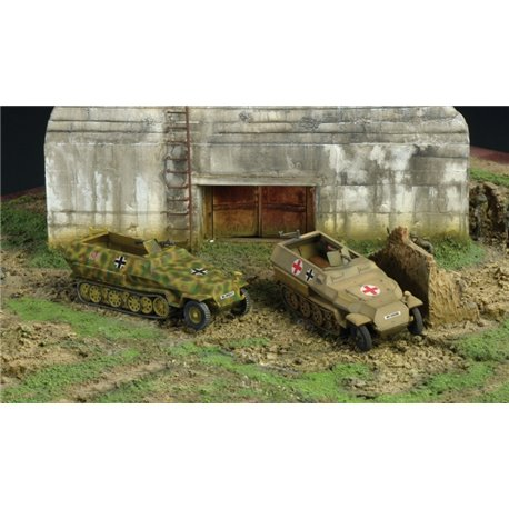 German Sd.Kfz.251/1 Ausf.C x 2 Fast Assembly Kits - scale 1 : 72