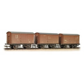 Triple Pack 12 Ton Ventilated Vans BR weathered