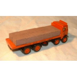 Palletised brick load (lorry)