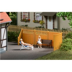 HO Privacy fence with posts