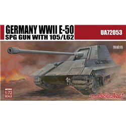 German WWII E-50 SPG Gun with 105/L62