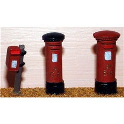 Painted - 3 Assorted Pillar Boxes (OOScale 1 /76th)