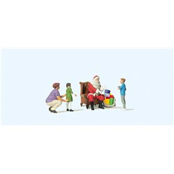 Father Christmas w/Mother & Kids (4)